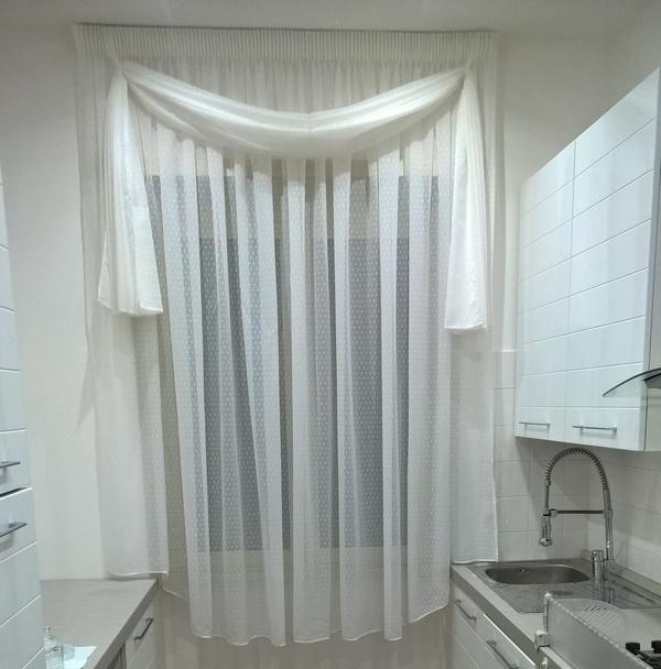 Tende per interno classiche for Mantovana moderna
