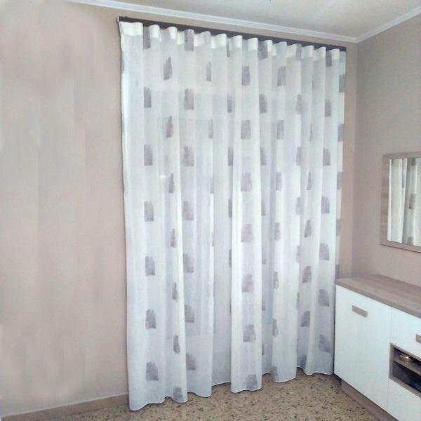 Tende per interno tipo moderno for Casa moderna tende
